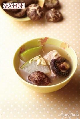 Dried Shrimp Soup with Chinese Mushroom and Winter Melon Recipe 虾皮冬瓜花菇煲瘦肉汤食谱