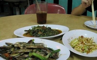 clams, stir-fried kangkung, mango kerabu